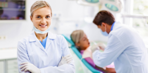 A picture of Michelle Kern a dentist in the Phoenix area